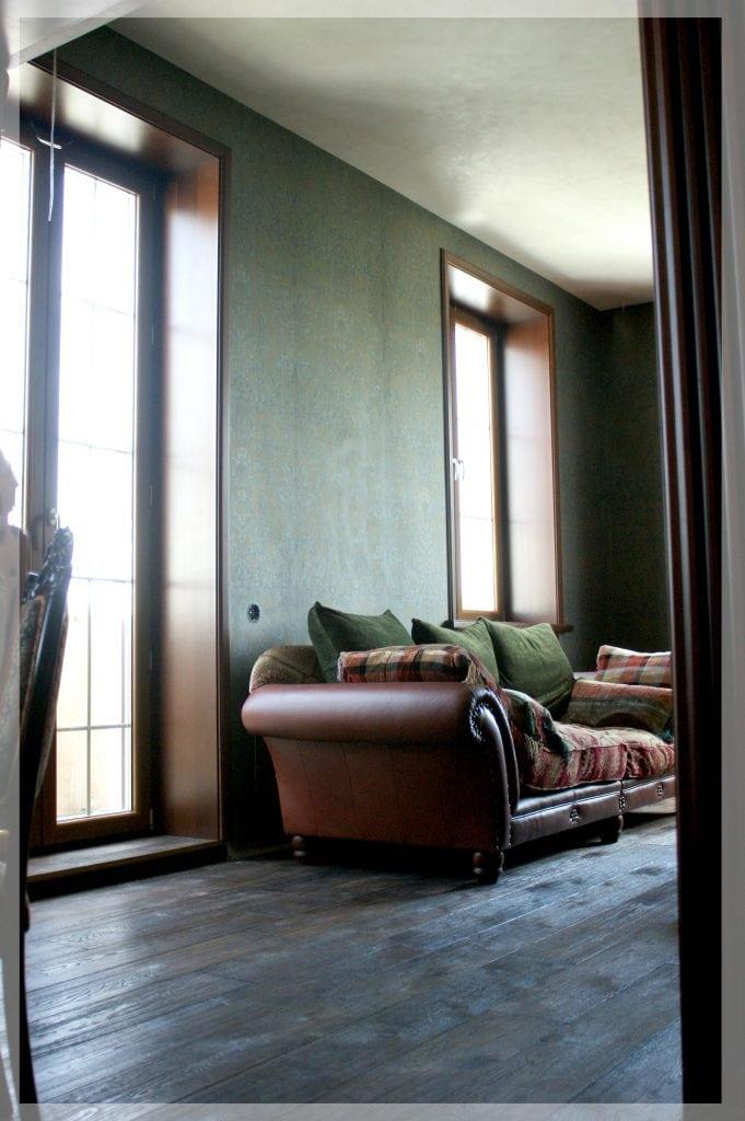 Гостиная, вид на французские окна