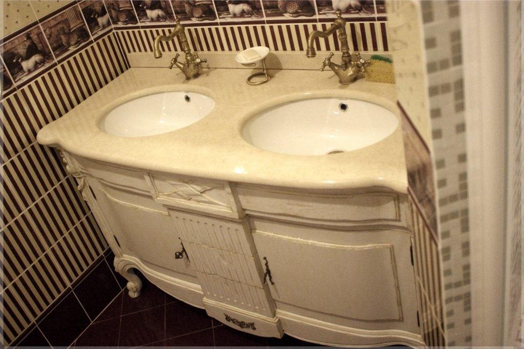 Ванная комната, раковины и смесители