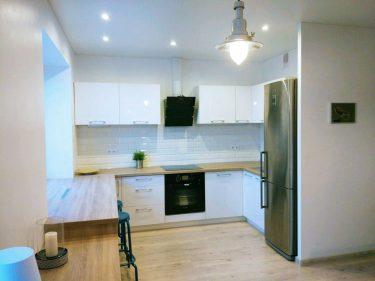 Дизайн интерьера кухни в квартире по пр.Победителей